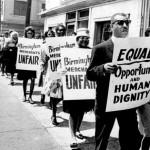 """Manifestación en Birmingham, Alabama,  """"probablemente la ciudad más segregada de los Estados Unidos"""" según Martin Luther King en 'Letter from Birmingham Jail'."""